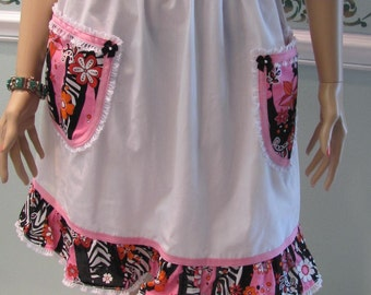 50% OFF- Half apron, Retro style, white, modern print with two pockets and ruffled hemline