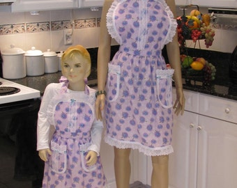 APRONS:Mother &daughter apron set in a lavender floral print,with lace  trim, retro style,two pockets