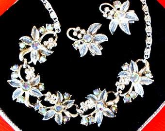 1950s dazzlig retro style - Borealis crystal light, necklace and earrings set - art.105 -