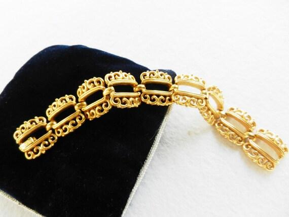 Spectacular Bracelet Vintage 1950 - Trifari crown  - Gold Trifarium and design princely -Art.964-