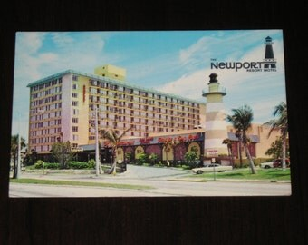 Used Picture Postcard The Newport Resort Hotel Rhode Island