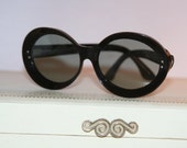 Vintage Black Sunglasses Jackie O Round French Chanel Look Kennedy