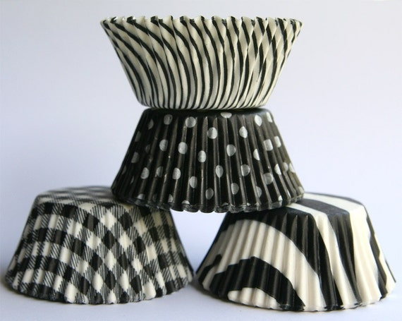 Black and White Mix Cupcake Liners (100)