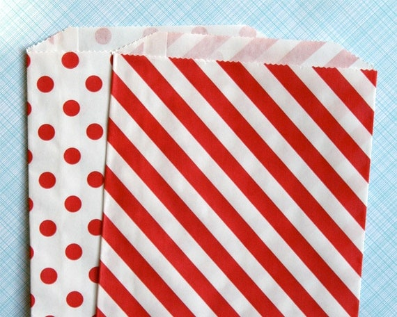 Red Dot and Stripe Goody Bags (20)