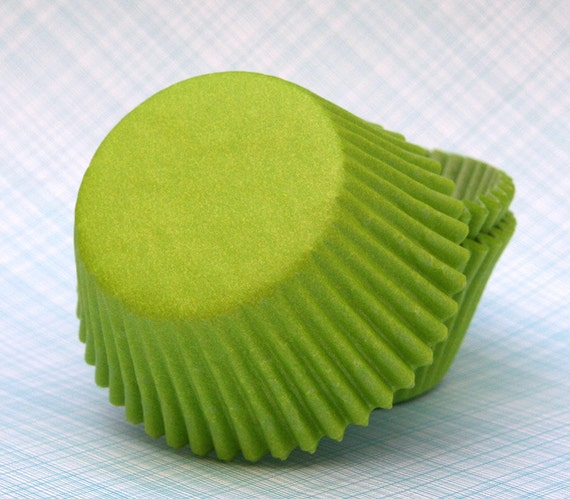 Lime Green Cupcake Liners (50) Spring Green Baking Cups, Spring Cupcake Liners