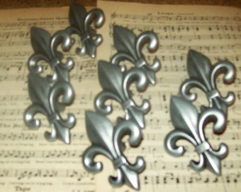 FREE SHIPPING 8 Drawer Pulls Fleur de Lis Pewter Knobs 2.5 inches Reclaimed French New Orleans Paris Apt