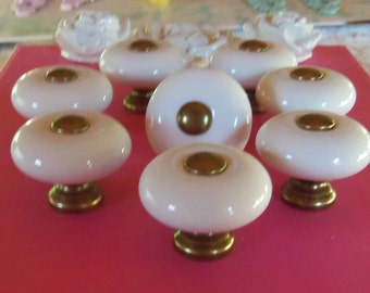 FREE SHIPPING Drawer Pulls 8 Old Fashioned White Porcelain Knobs 1.25 Inch