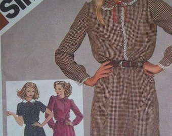 Sale - Vintage - Dress with Peter Pan Collar - Lace Trim - Ribbon Tie - Simplicity 9775  - Bust  30 1/2, 31 1/2 In - Uncut