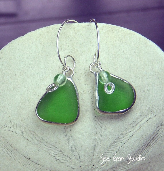 Beachcomber Earrings in Bottle Green