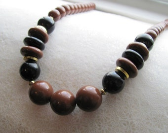 Vintage beaded chocolate and liquorish mod necklace, black and brown beads