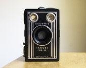 Vintage Working Brownie Target Six-16 Box Camera