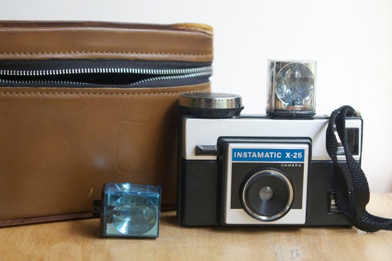 Instamatic X-25 Camera Outfit, Working, With Flashcubes and Case, On Sale, Great Gift