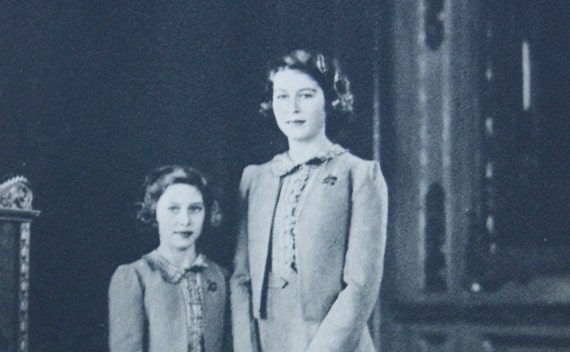 Postcard, Queen Elizabeth and Margaret Rose, Queen's Jubilee