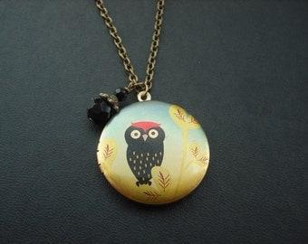 red top little black owl locket