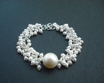 pearl cluster bracelet with swarovski pearl