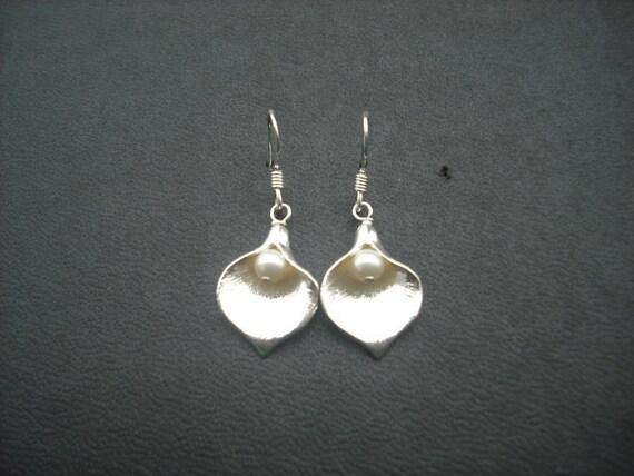 Calla Lilly earrings