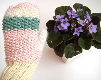 Pink women mittens, knitted winter mittens, cute mittens, romantic gloves