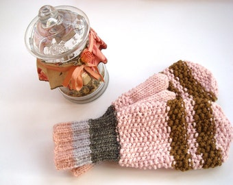 Wool mittens for women, pink winter gloves, warm accessory