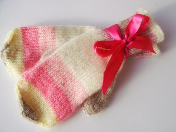 Romantic Winter Gloves- Warm Pink Mittens- cute gift for women/ girl   (pink, white, creamy yellow, beige) gift under 50
