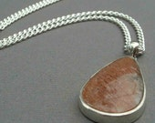 Handcraft Jewelry Necklace (Silver, Sunstone) Sparkling Pear