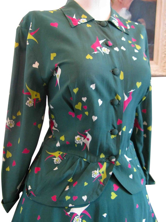 Rare 1940's Forties Rayon Novelty Print Suit Grass Green with Hearts & Suitor Full Skirt Very Schiaparelli Like 38-28-full
