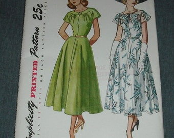 Vintage Simplicity Sewing Pattern 2507 One Piece Dress Size 12 Bust 30