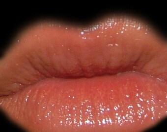 Modest lip gloss