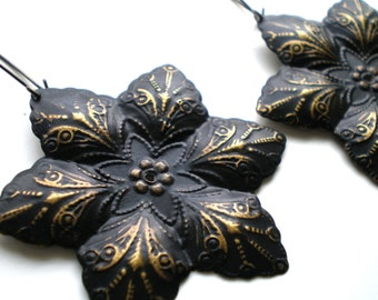Black Brass Hand Painted Filigree Flower Earrings Women's Fashion Jewelry