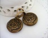 SIMPLICITY (earrings. lockets. brass. floral. shabby chic. minimal. autumn wedding. memories. classic. handmade jewelry.)