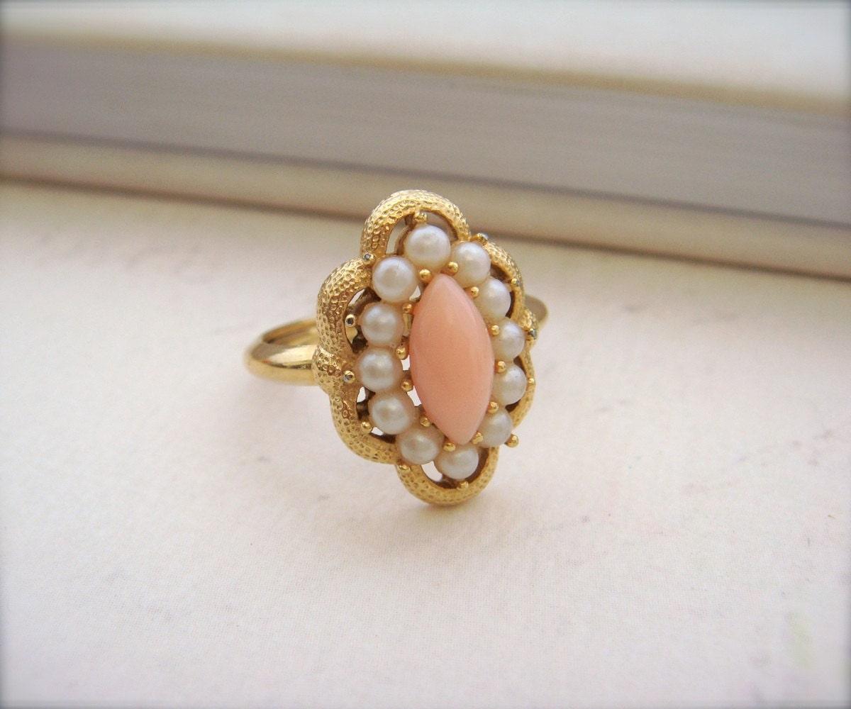 Signed Avon Vintage Ring Avon Coral Keepsake Pearl