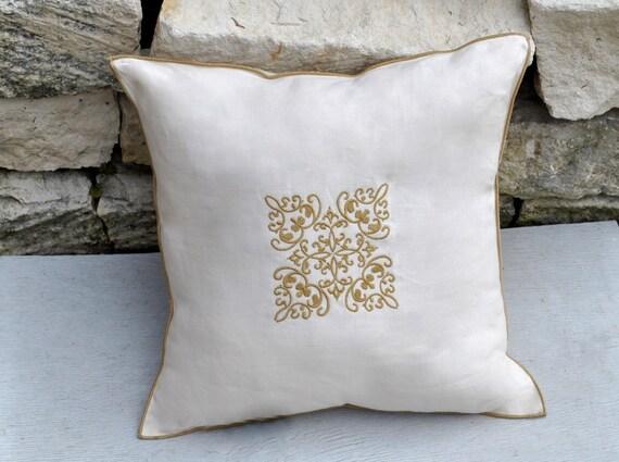 Linen filagree pillow