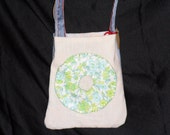 Small purse made from circle quilt square