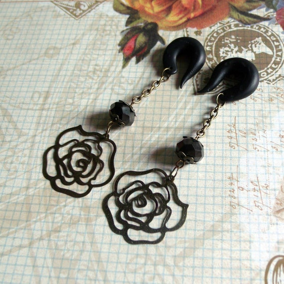 Dark Rose Gauged earrings