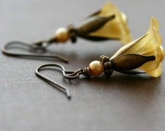 Flower Earrings, Yellow , Vintage Style Flower Earrings- Daffodil