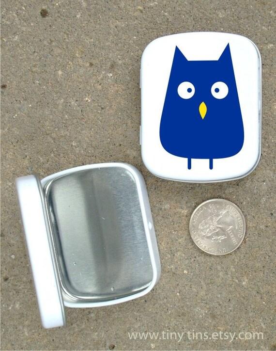 Blue Owl white hinged tin