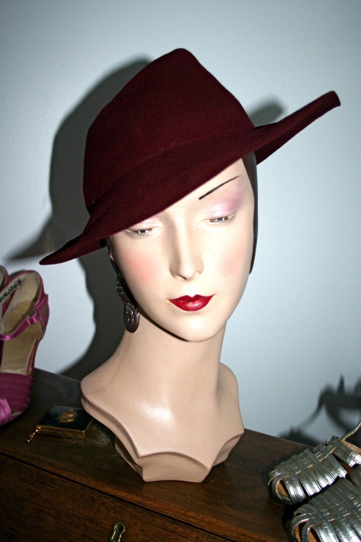late 1930s early 1940s burgundy s fedora