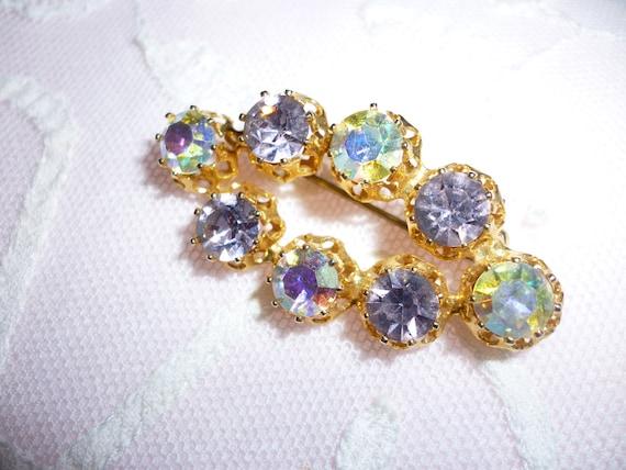 Beautiful Oval Shaped Brooch Gold Toned Aurora Borealis Lavender