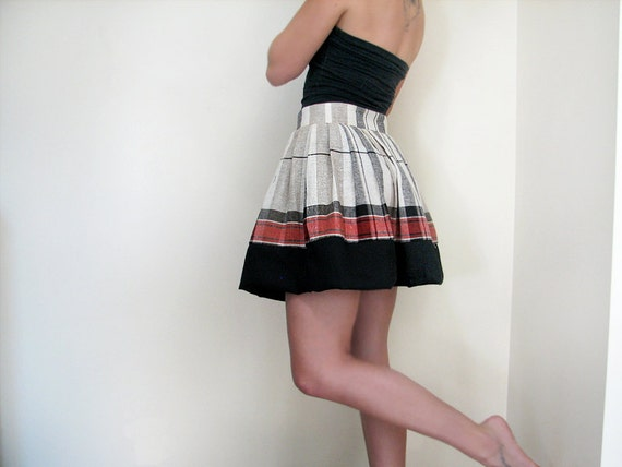 Vintage. Linen Skirt. Red Black and Cream.