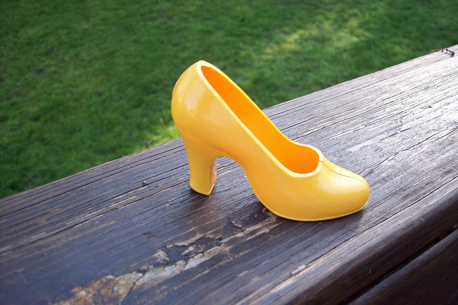 air step vtg plastic high heel shoe store by pittypatch
