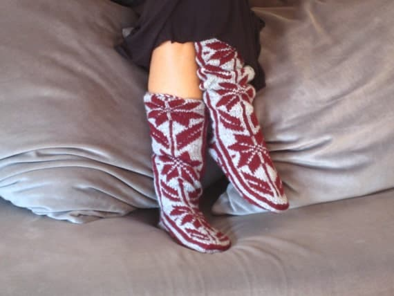 Burgundy Snow Pattern Long Slippers