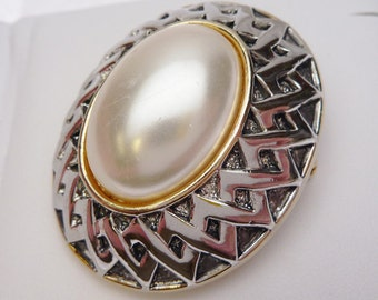 Mabé Faux Pearl Gold and Silver Tone Brooch