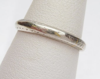 Plat & 18K Etched Wedding Band 1902