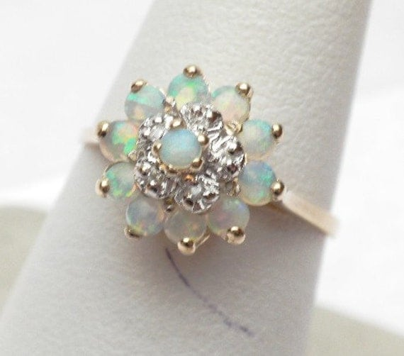 Opal and Diamond Circle Cluster Ring Brilliant 10 KT