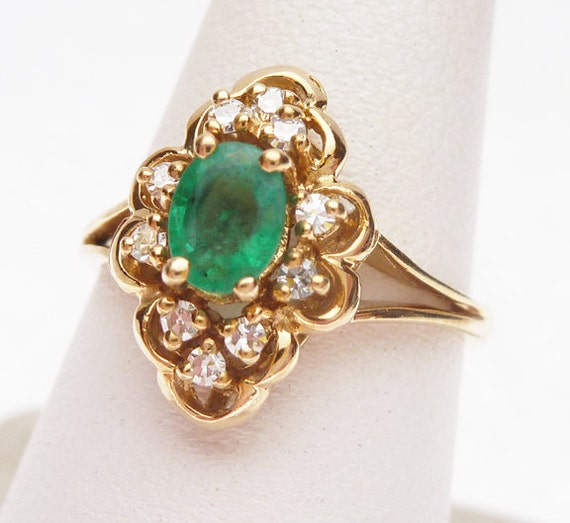 14kt Emerald and 10 pt Diamond Ring