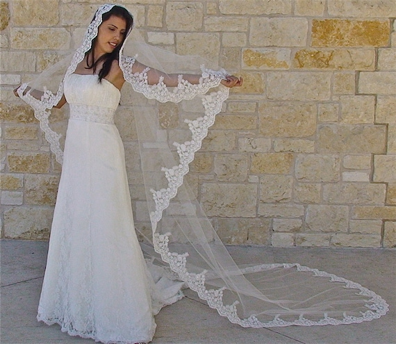 Mantilla Veil With Beaded Lace In Cathedral Length Spanish