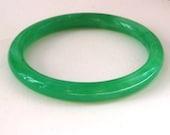 Wonderful Vintage Green Peking Glass Bangle Bracelet