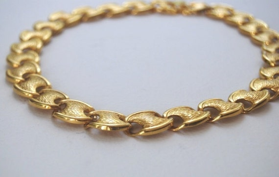 Vintage Textured Interlocking Ovals Choker Necklace