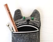 Pencil case,  Eyeglass case: cute Hungry cat pencil / eyeglass case,  grey wool