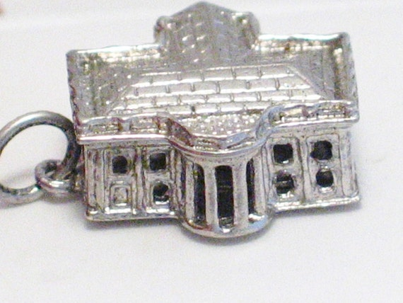pre owned vintage estate 3-D the white house washington dc travel theme 925 sterling silver bracelet charm or pendant