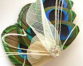 Peacock Feather Hair Clip IVORY Blanc BUTTERFLY Feather and Rhinestone Wedding Hair Clip Bridal Party
